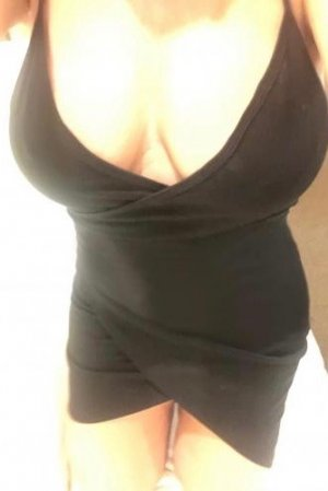 Taklit outcall escorts in Chambersburg
